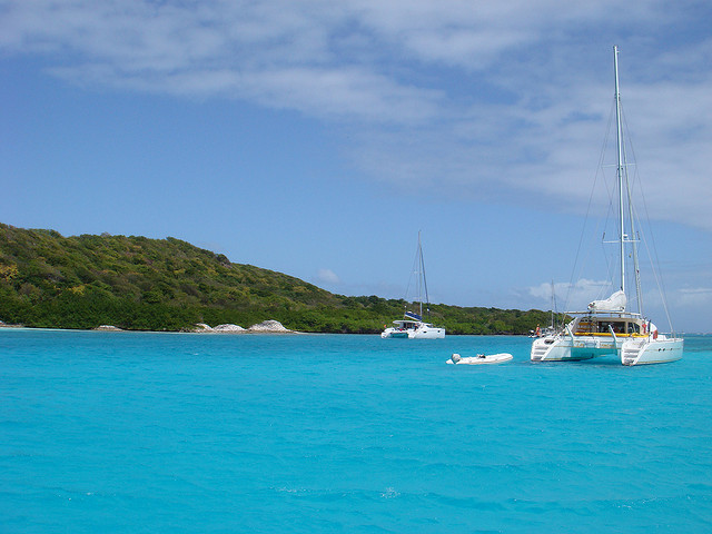 blue water in the caribbean